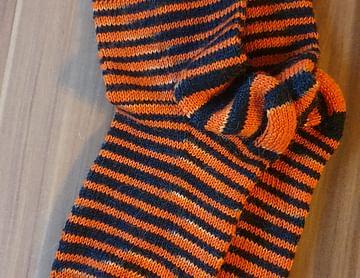 Selbst gefärbte und gestrickte Socken für meinen Freund