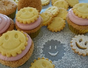 """Linzer """"Smiley""""-Cupcakes"""