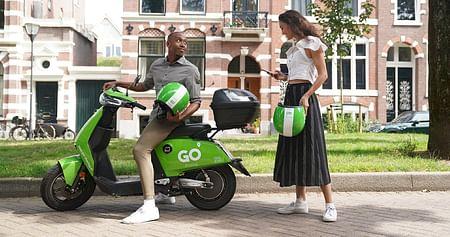 Schnell und wendig ans Ziel kommen, ganz ohne Lärm und Abgase: Möglich machen das die E-Mopeds von Go Sharing. Unser Studentenrabatt schenkt dir 45 Minuten Gratisfahrt, damit du mit den Leihfahrzeugen in Wien ordentlich cruisen kannst!