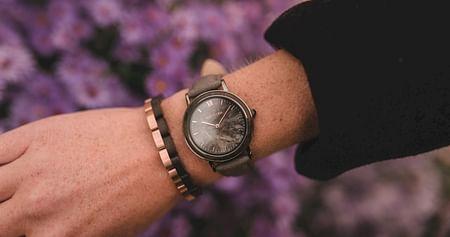 Die Uhren von Holzkern überzeugen mit einzigartigen Designs, fairen Preisen und einem hohen Nachhaltigkeitsfaktor: Mit unserem Holzkern Studentenrabatt erhältst du 12% Nachlass auf www.holzkern.com, ohne Mindestbestellwert!