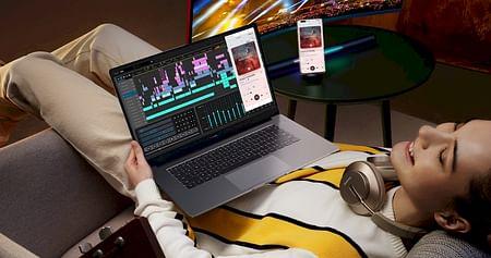 Smartphones, Laptops, Tablets, Monitore, Audiogeräte & Wearables – bei HUAWEI werden all deine Technikträume wahr. Aber es kommt noch besser: Mit unseremHUAWEI Studentenrabattsparst du beim Technikkauf jetztbis zu 419,90€!