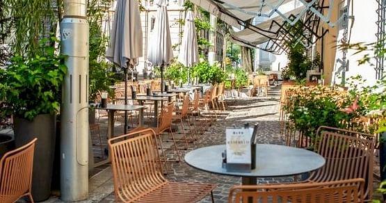 Im KLYO Alte Münze Graz erwarten dich im schönen Gastgarten und im stylischen Innenbereichgesunde, hausgemachte Speisen und Getränke aus regionalen und hochwertigen Zutaten. iamstudent PLUS Mitglieder sparen15% auf die gesamte Rechnung.