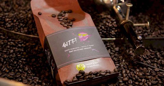 So geht fairer Kaffeegenuss! Von der Farm bis zum Supermarktregal sieht unbound ganz genau hin, und bringt dir nachhaltigen und transparent hergestelltenBiokaffee in die Tasse - wie den superguten Pacha Mama. 30% Studentenrabatt gibts obendrauf!